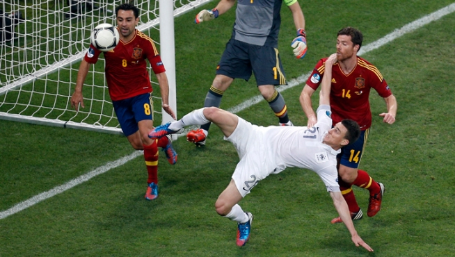 Spain Beats France 2-0 to Reach European Championship Semifinals