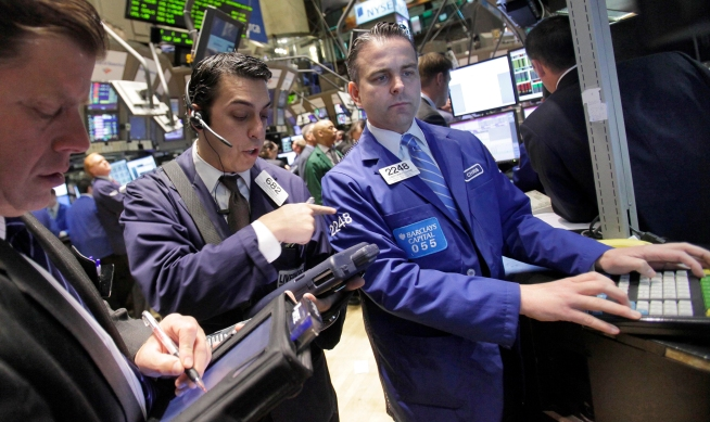 Stocks Jump Led by Homebuilder, Retailers