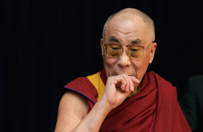 Dalai Lama Pays Stanford for Love Study
