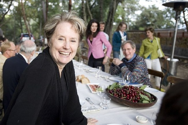 Alice Waters Cooks Up a Twitter Account