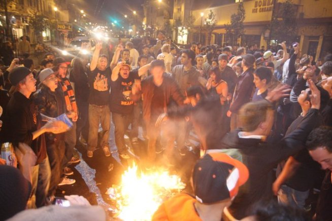 San Francisco Fans Celebrate World Series Victory
