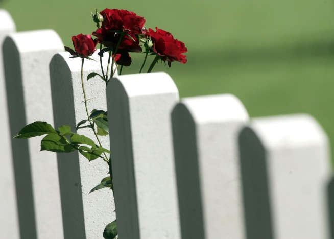 Calif. Cemetery Apologizes for Switching Headstones