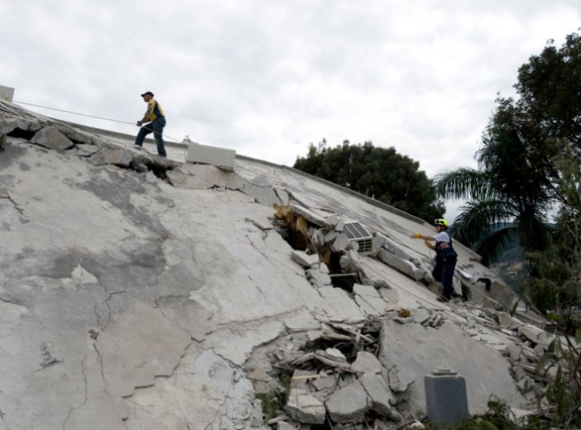 Dramatic Photos: Earthquake Aftermath in Haiti