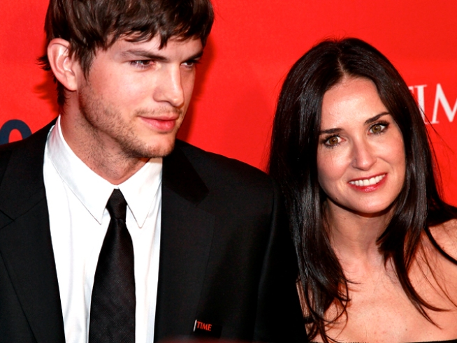 "Ashton Kutcher ""Not Worried"" About ""Genetic Freak"" Demi Moore's Child-Bearing Abilities"