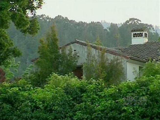 Steve Jobs' Old Mansion Still a Big Issue