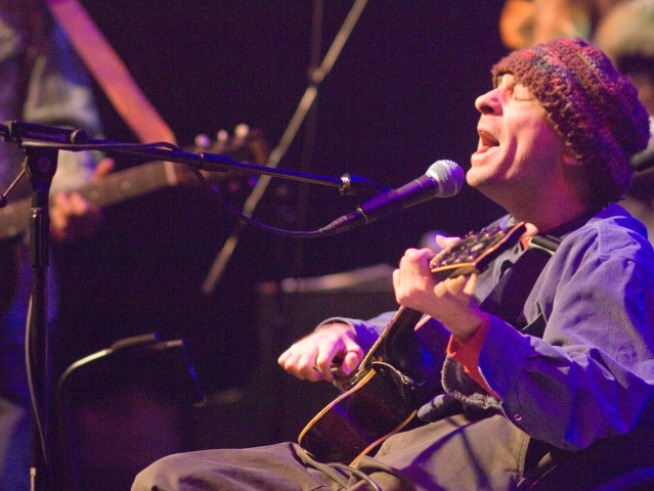 Singer-Songwriter Vic Chesnutt Dead at 45