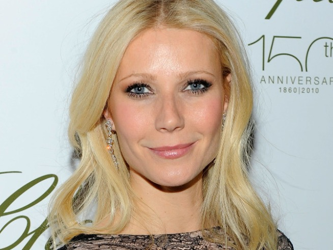 "Gwyneth Paltrow Hosts Benefit for ""Bent on Learning"""