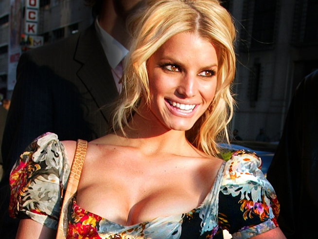"Jessica Simpson Wants to be a Mom ""By 10 Years"""