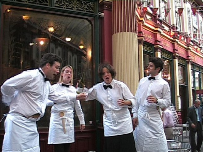 Opera-Singing Waiter Gets an Encore