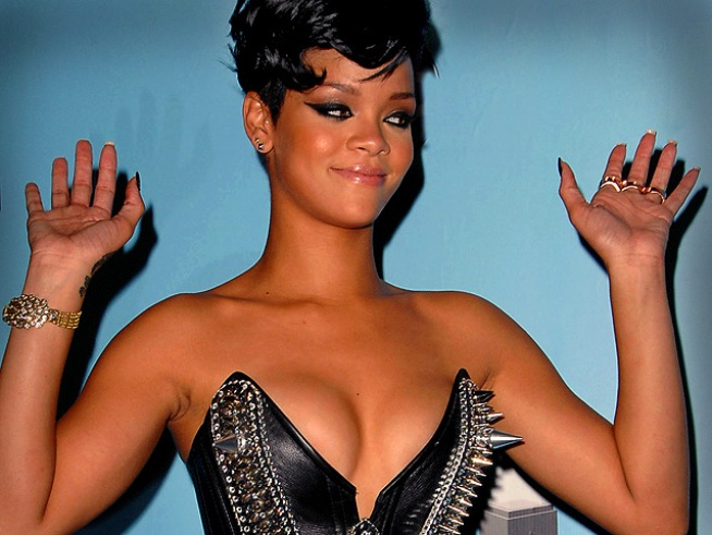 Rihanna Surprises Crowd at Jay-Z Concert