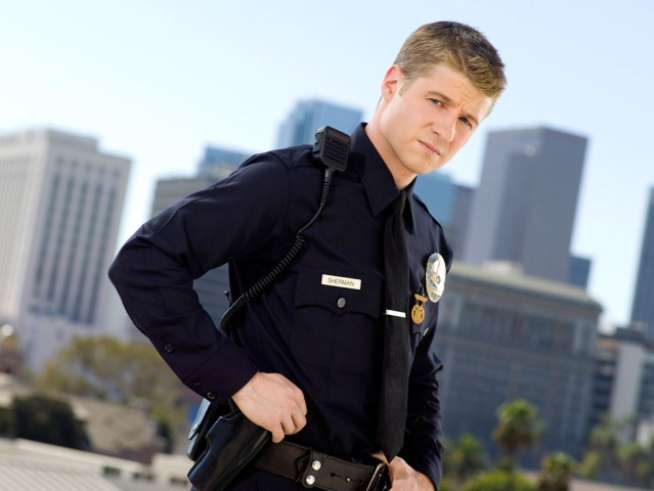 "TNT Renews ""Southland"" For Third Season"