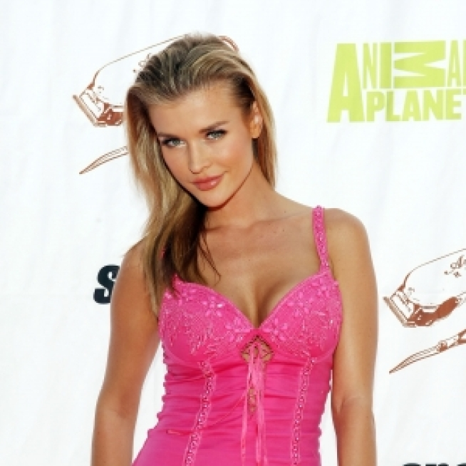 """Dancing"" Star Joanna Krupa to Bare All in ""Playboy"""