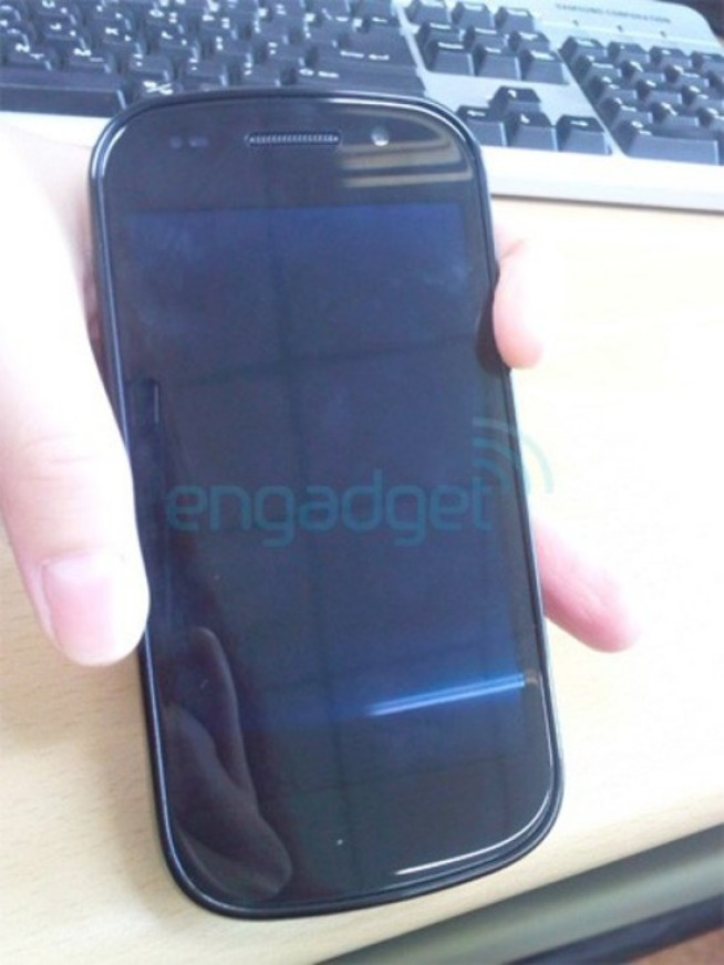 An Early Peek at the Google Nexus S