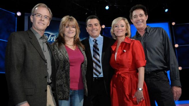 'Brady Bunch' Cast Members Reunite at TV Family Home