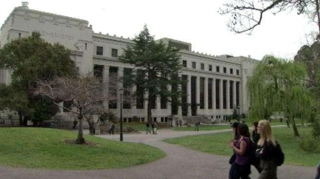 2 Robbed at Gunpoint Near UC Berkeley Campus