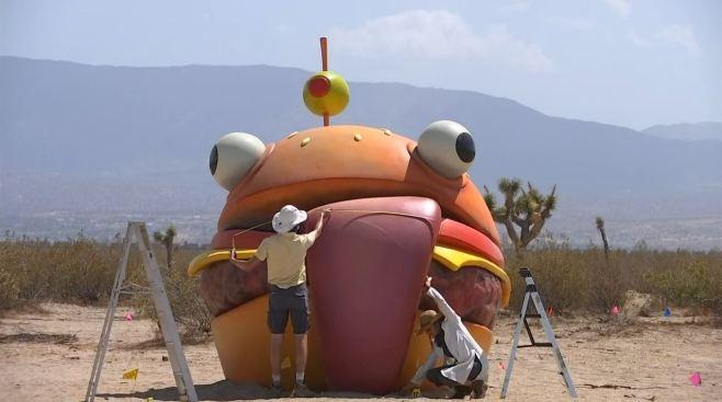'Durr Burger' Landmark from Popular Video Game 'Fortnite Causes Stir in SoCal Desert