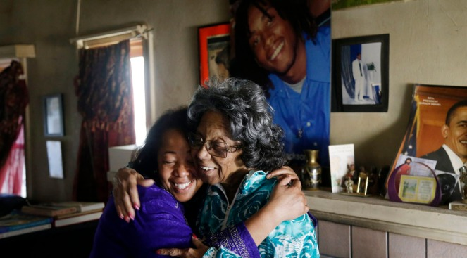 """Oakland Mother """"Angel in the Flesh"""" Uses Grief of Twin Sons to Help Murder Victims' Families"""