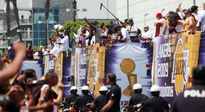 Lakers Are Talking Parade With Series Tied 2-2