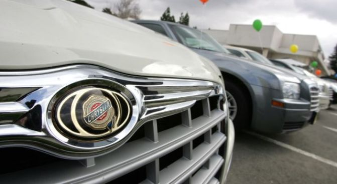 High Court Puts Brakes on Chrysler Sale to Fiat