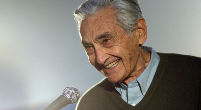 """People's History"" Author Howard Zinn Dies at 87"