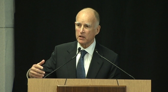 Gov. Jerry Brown helped usher in a new San Jose State University program on Tuesday where campus officials announced a partnership with a Silicon Valley company to offer online classes for credit.