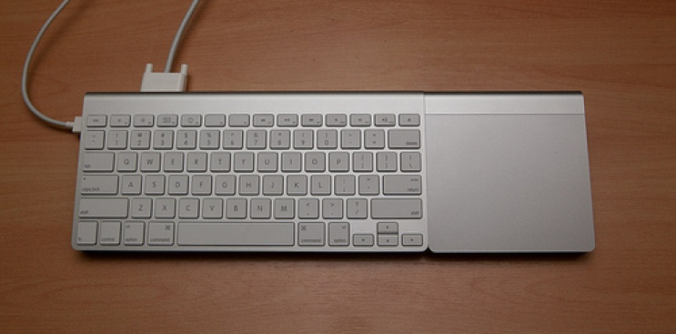 Brilliant Modder Crams the Guts of a MacBook Air Into a Keyboard