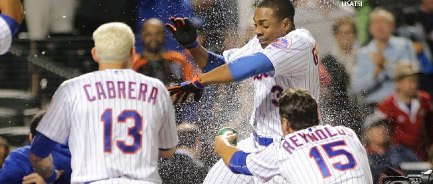 Wild Card Watch: Mets Help Themselves With Win in Extras