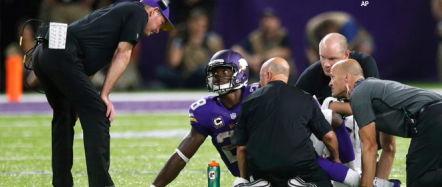 Vikings' Peterson Suffered Torn Meniscus; Timetable Unclear