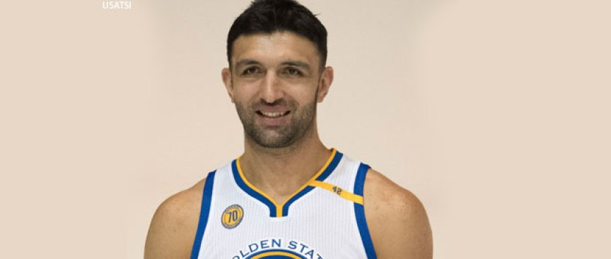 Warriors Center Pachulia Brings Brains, Brawn to the Game