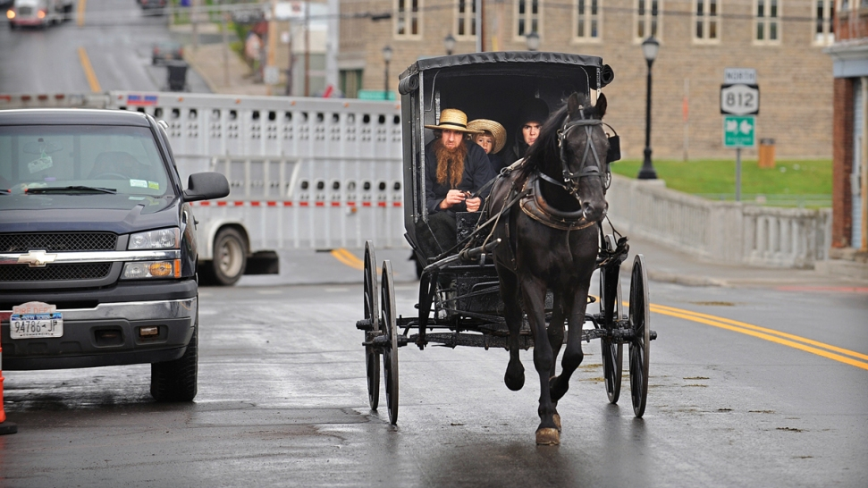 Amish to Build Garage for Couple Who Returned Kidnapped Girls