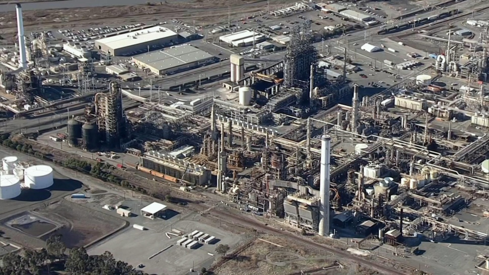 'Excessive Flaring' at Tesoro Refinery, Smoke Drifts Into Neighboring Areas