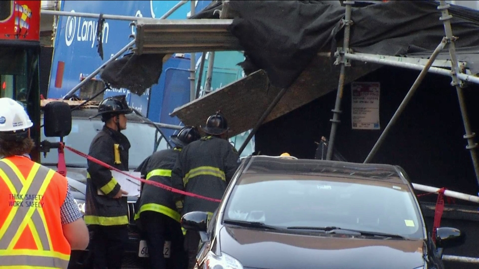 Tourist bus accident in San Francisco leaves 19 hurt