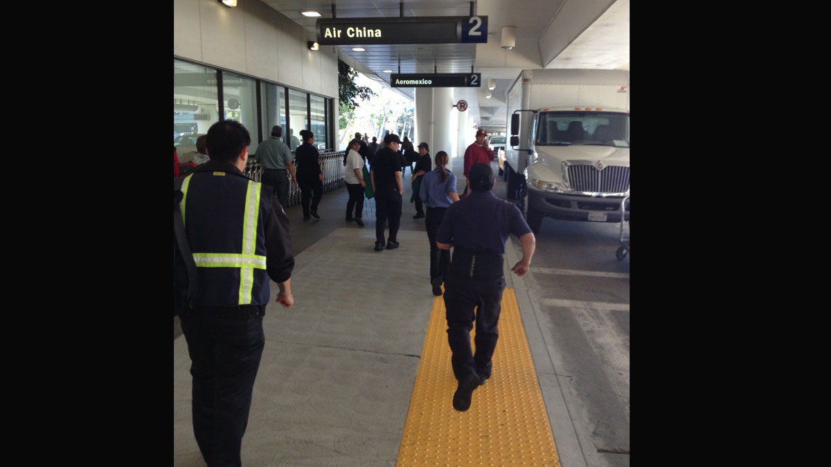 Delays at San Diego Airport Following LAX Shooting | NBC 7 San Diego