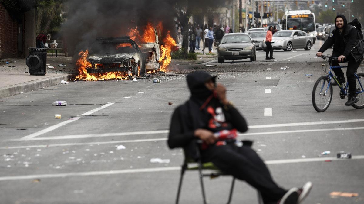 saqueos y violencia en Baltimore