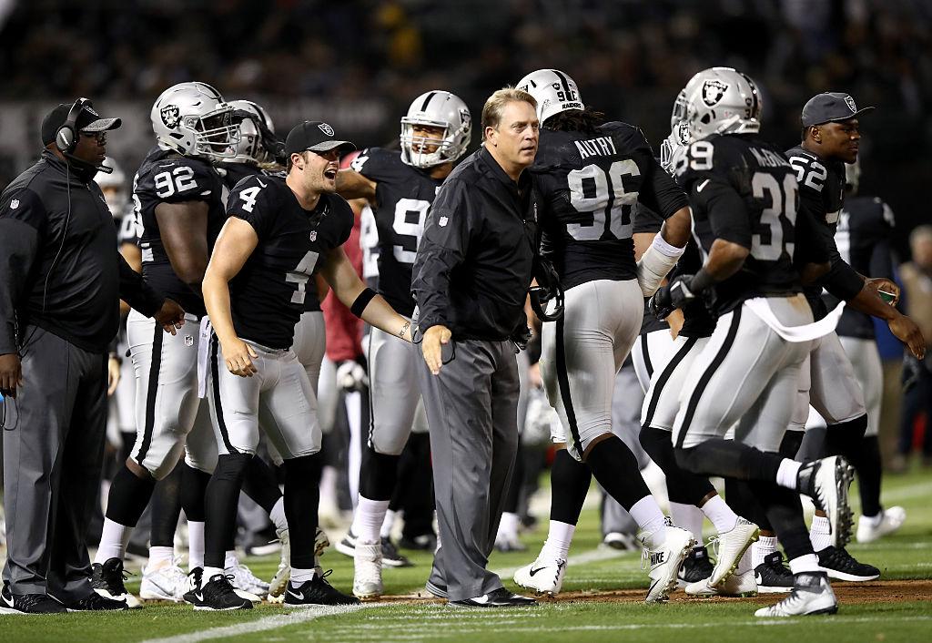 001e64519 Raiders head coach Jack Del Rio (center) has his team on top of the